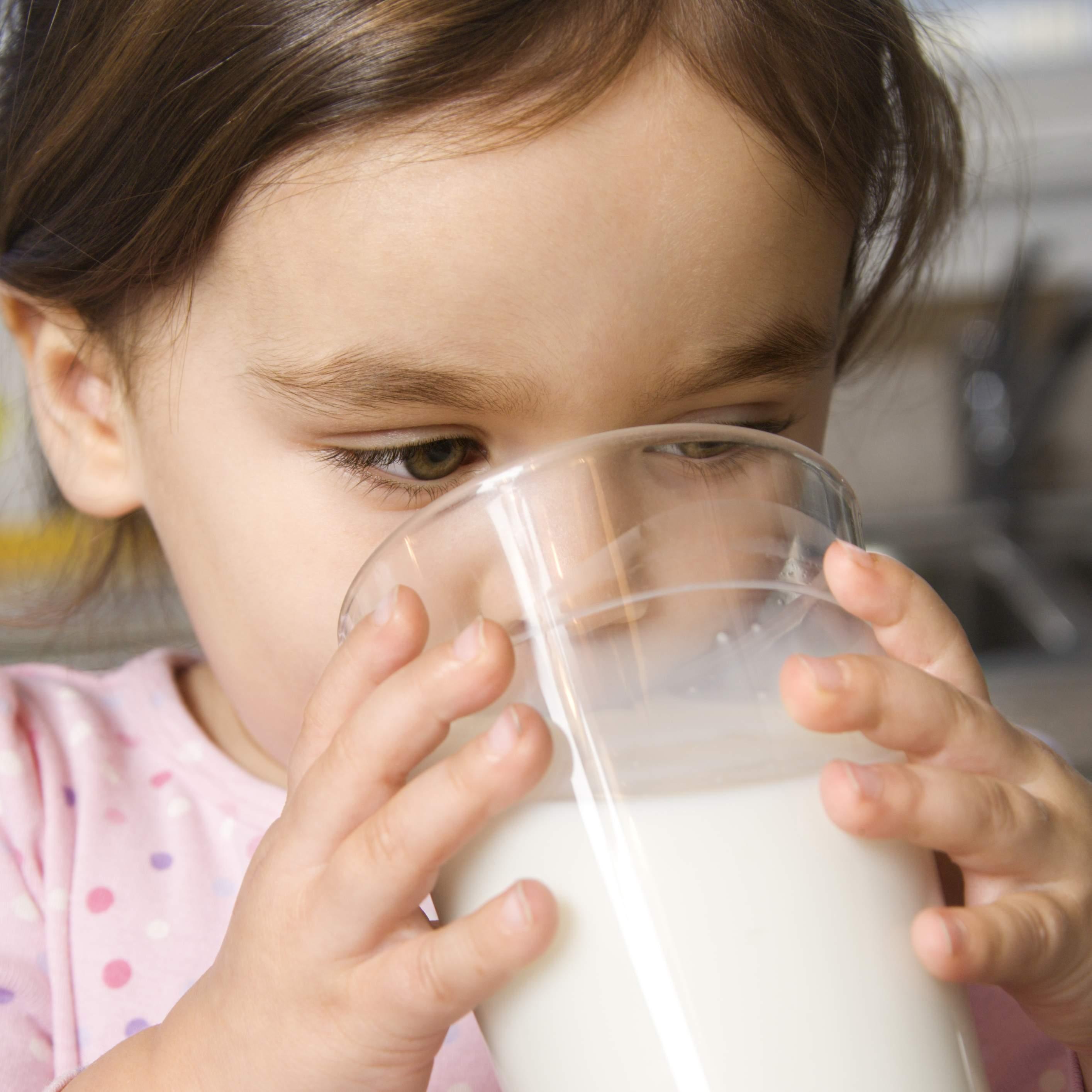 Фото девушка пьет молоко 14 фотография